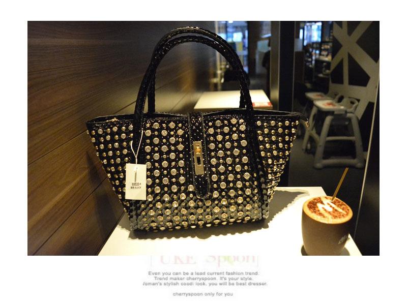 2020 Новая модная женская сумка, женская сумка на плечо с бриллиантами, женская сумка-мессенджер со стразами, сумка через плечо(Китай)