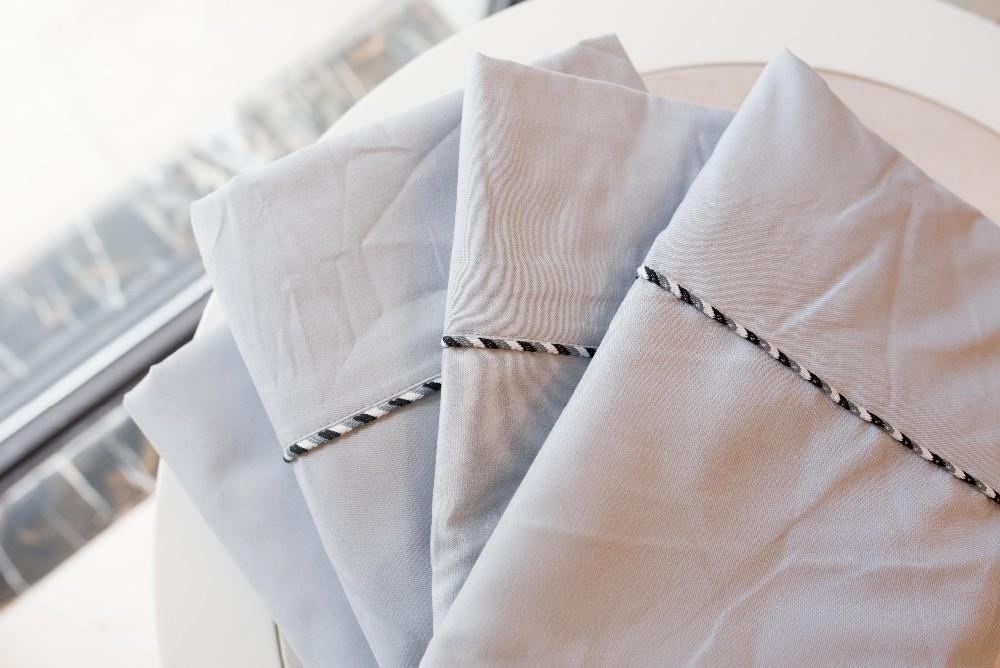 Microfibre Bed Sheet In Bedding Set With Tuck Decoration
