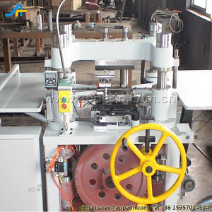 Roller chain automatic rivet making machine