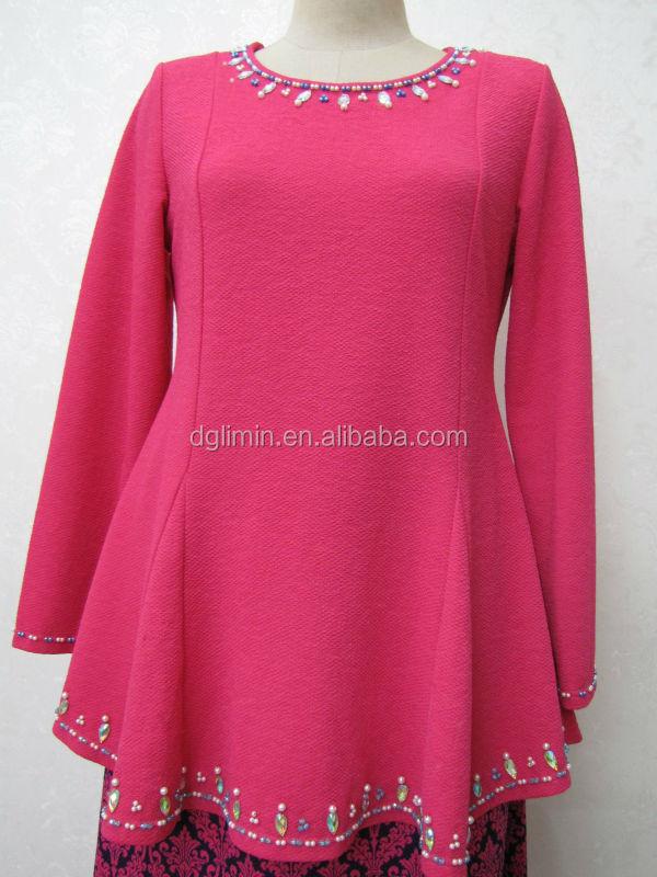 plain pink kebaya red floral sarong beaded neck beading hem baju kurung with two style