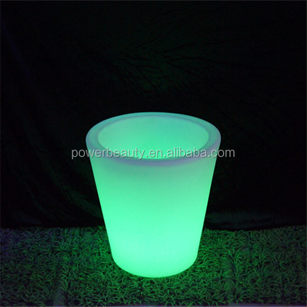 Waterproof IP54 rechargeable LED illuminated outdoor strawberry pot