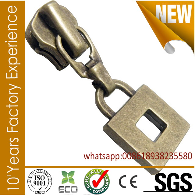 CR_ZP19304_zipper puller Multifunctional sport zipper slider