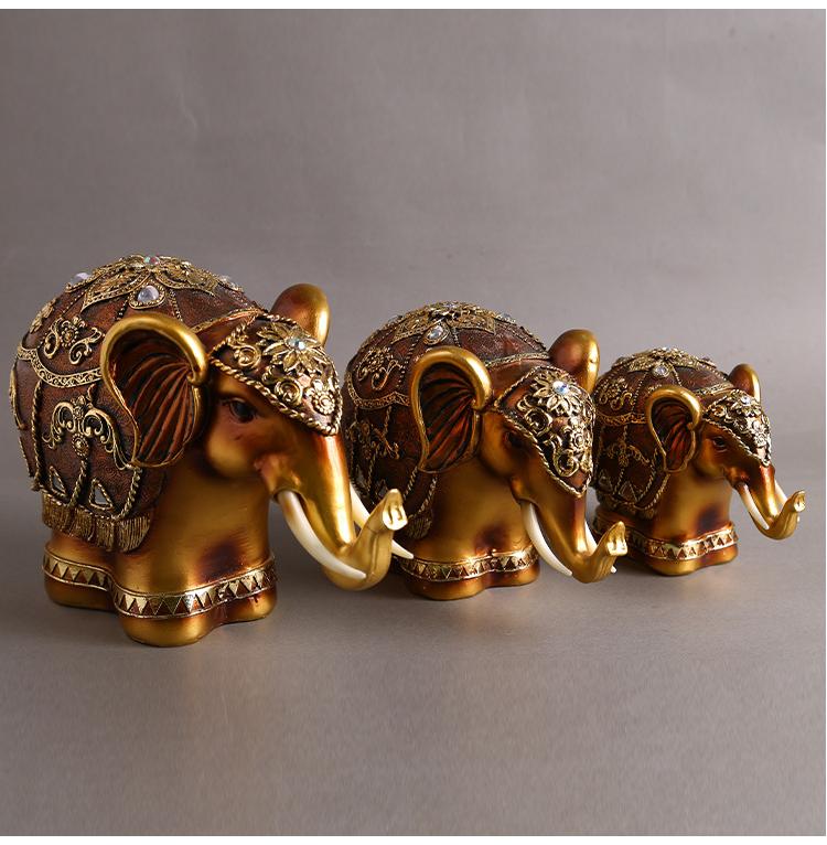 Resina de escultura de cavalo de ouro
