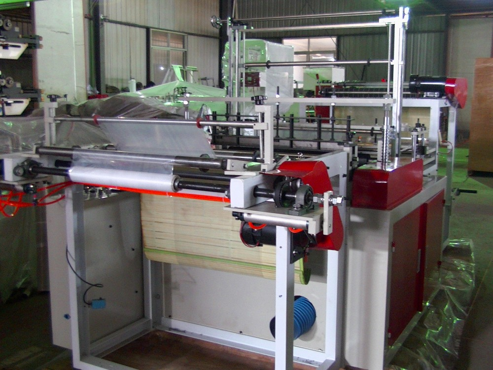 HDPE dry cleaning coat plastic bag making machine/low density pe laundry bag making machine