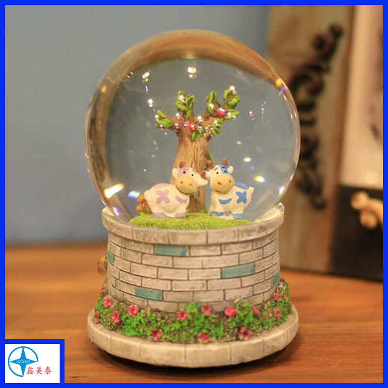 High quality resin customized musical snow globe