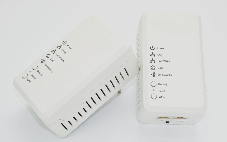 PA600 PLC 600Mbps Powerline Adapter with Passthrough