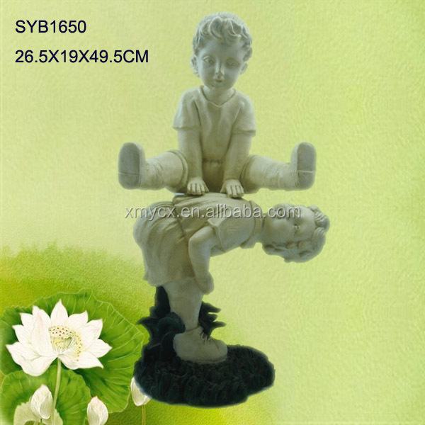 Polyresin garden boy and girl statue for outdoor decor.