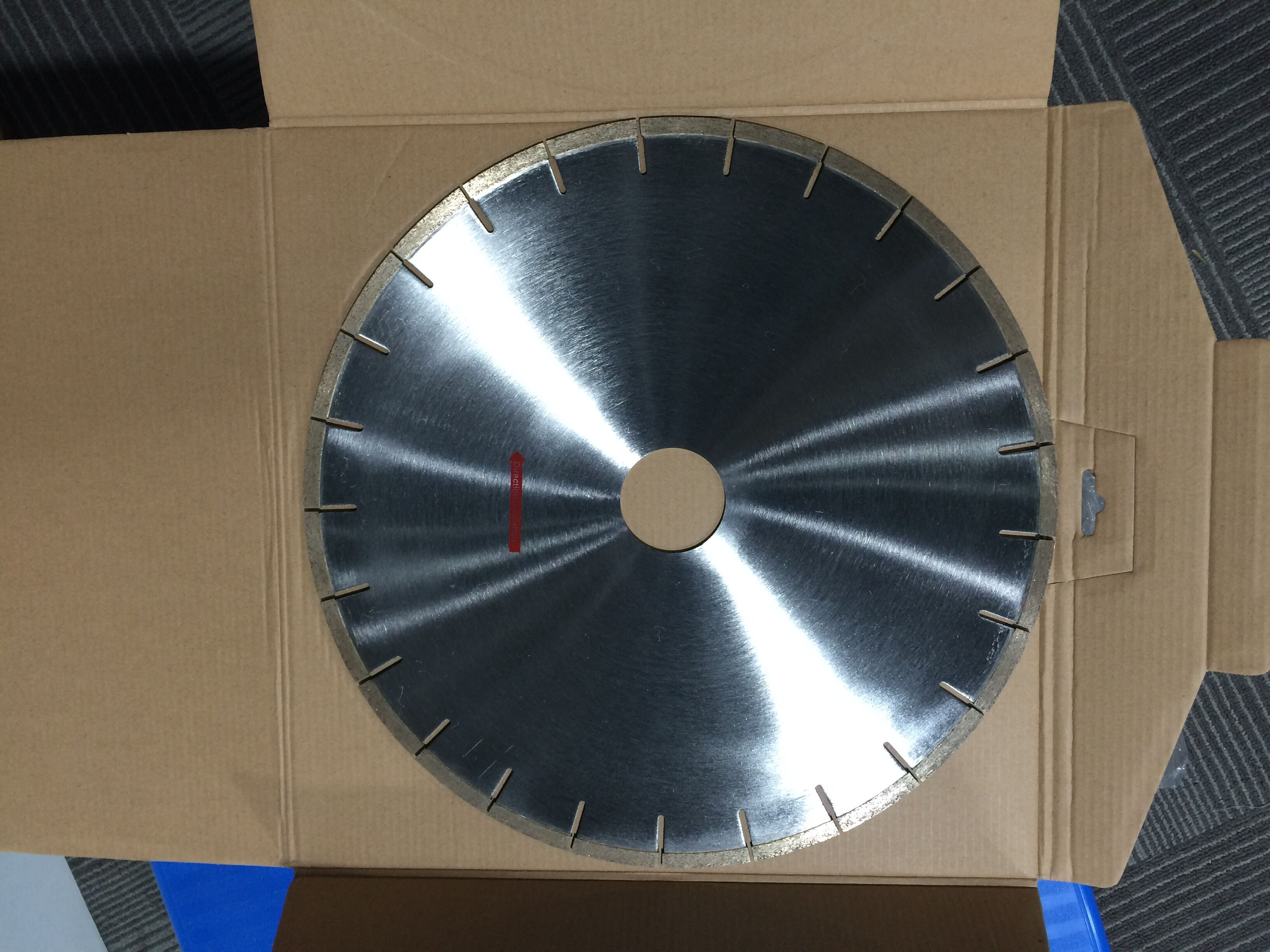 Quality diamond blades cutting with long life