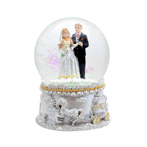 Resin Dancing Couple Wedding Favor Water Globe