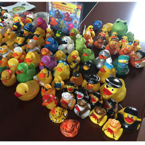 Painting Logo bath floating rubber duck OEM swimming PVC duck