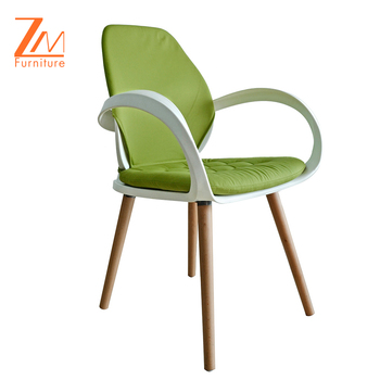 Detachable Cushion Plastic Garden Leisure Chair, Modern Furniture Chair with Wooden Legs