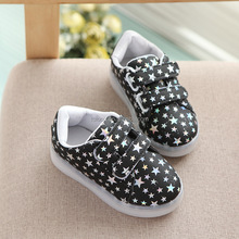 Wholesale Girls Boys Led Light Up Children Sneakers Stars Print Casual Shoes with Flashing Different Colors