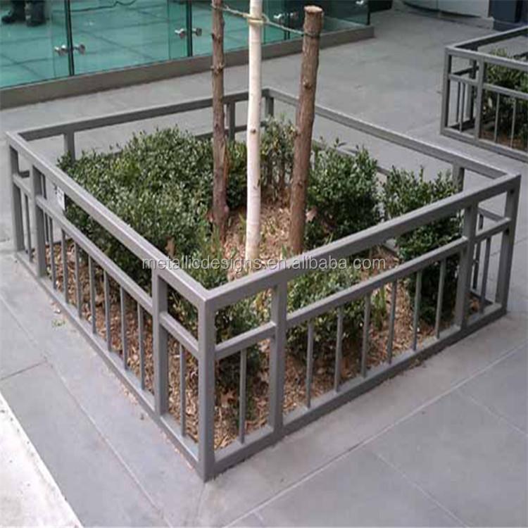 Hot Decorative Fence Panels Metal Lattice Iron Picket Indoor Wrought Tree