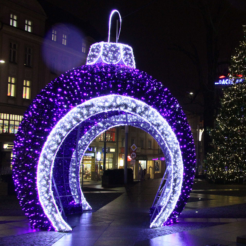 25cm Large Outdoor Commercial Christmas Tree Bauble: Exterior Acrylic Led Light Large Walk Through Giant Led