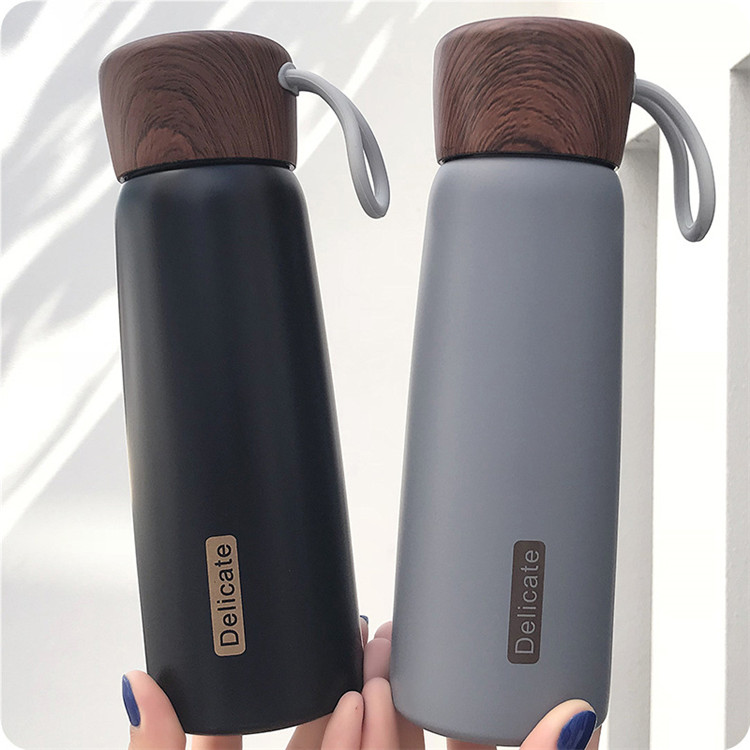 Wholesale Custom Double Wall Vacuum Flask Stainless Steel Water <strong>Bottle</strong> With Wood Lid Rope