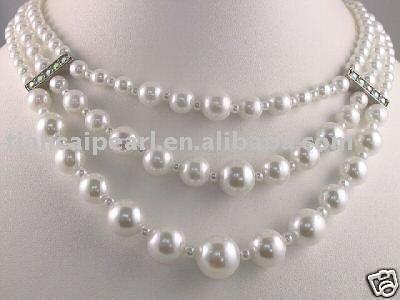 Hermosa 3 filas blanco perla y collar de concha de perla