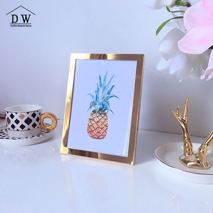New Style Simple Plain Gold Plated 7 Inch Photo Frame