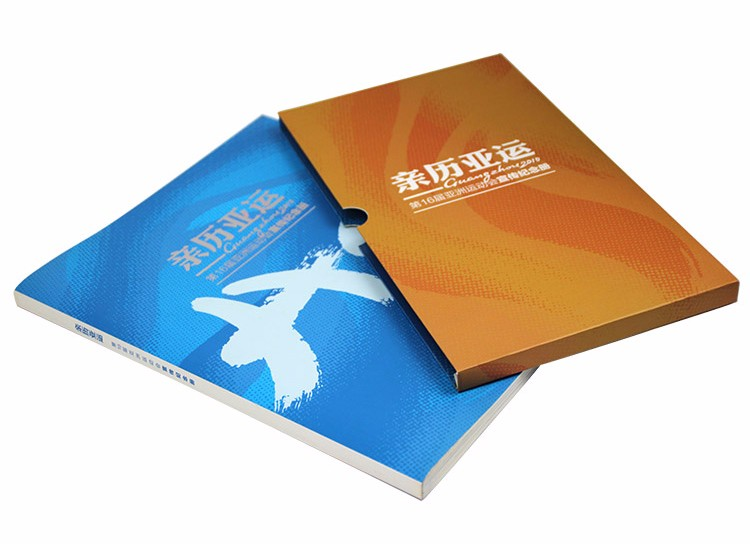 Fashion design threading binding full color hot stamping printing softcover photo brochure board book printing with box