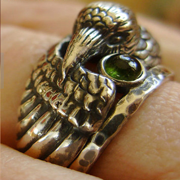 Animal Head Ring Custom Jewelry Fine Jewelry Animal Vintage Plated Silver Raven Ring with Green crystal men ring