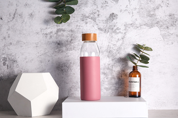Custom wood wooden bamboo lid silicone sleeve glass water bottle with silicone sleeve