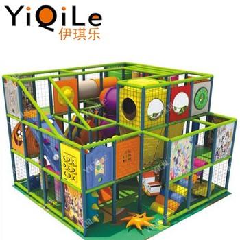 Maison aire de jeux intérieure enfants salle de jeux design