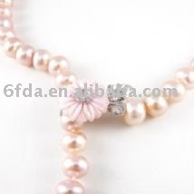 newest fashion pearl necklace