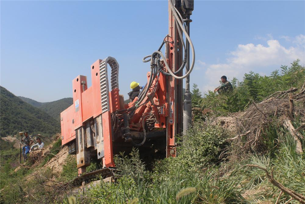 mountain solar ramming piling machine for solar pile driving MZ398Y