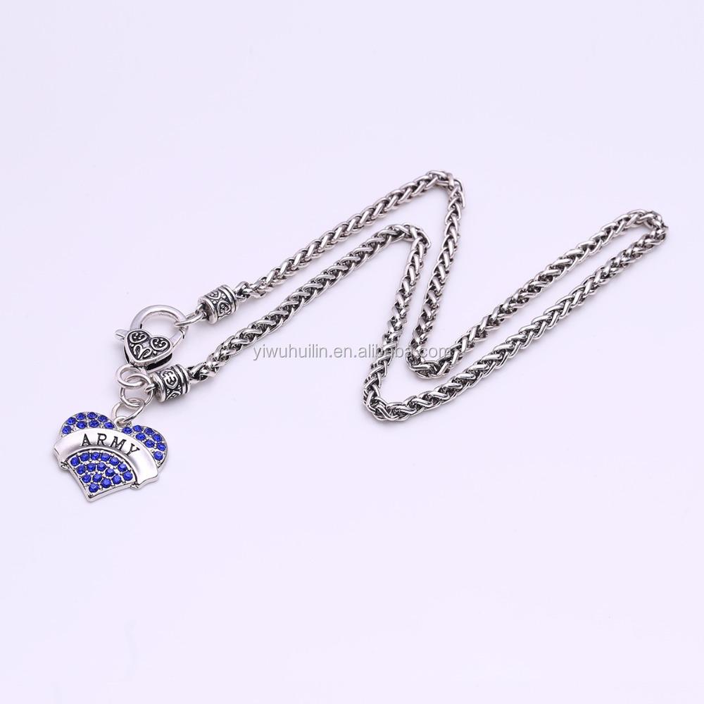 f7b24a78ef7f Chunky collar de Cristal Accesorios de Cristal En Forma de Corazón de Toma  Del Ejército Carta