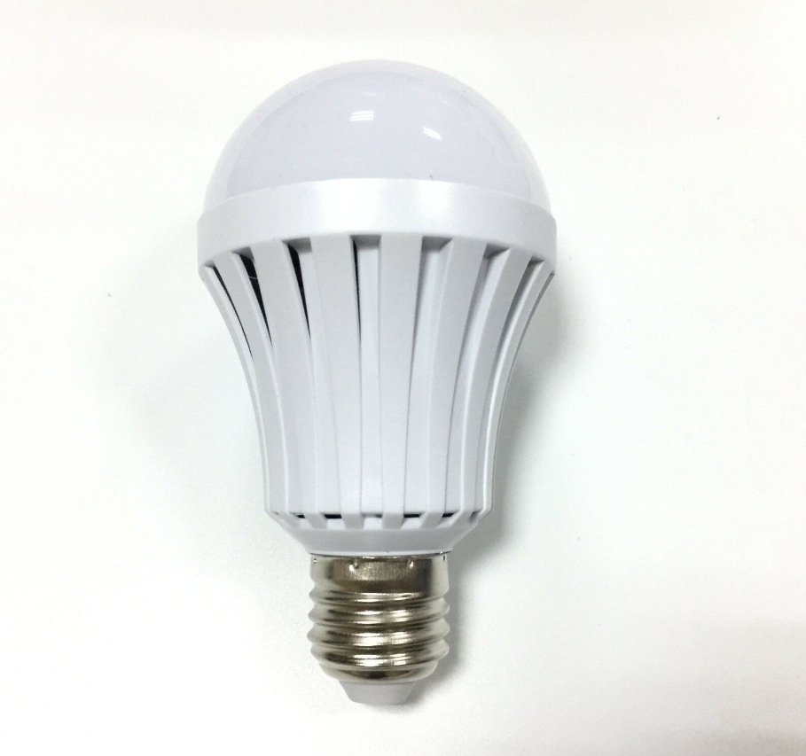 China Manufacturers 5W 7W 9W 12W E27 E26 B22 <strong>Smart</strong> Charge Emergency Rechargeable <strong>LED</strong> Light <strong>Bulb</strong> CE ROHS