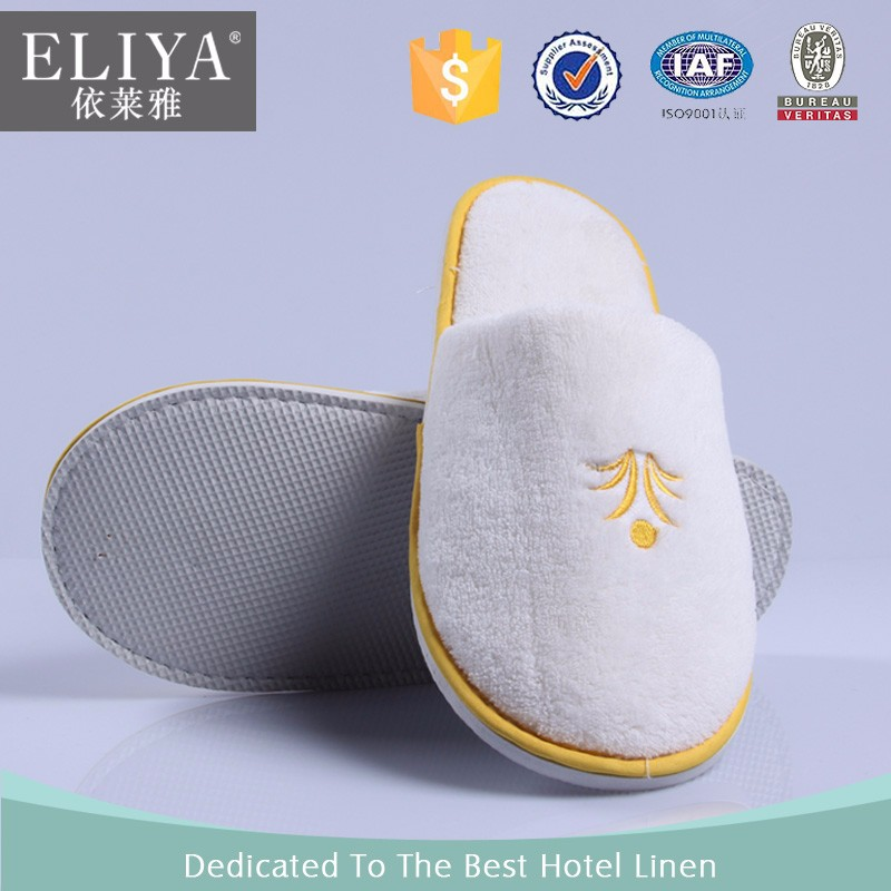 Cheap coral fleece embroidered custom hotel guests slippers,cheap white hotel slipper plain white slippers