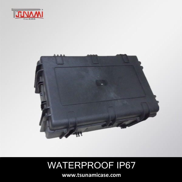 Tsunami Case No.764830 Waterproof Ip67 Large Rolling Plastic Case ...