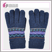Wholesale winter warm gloves factory jacquard gloves 100% acrylic