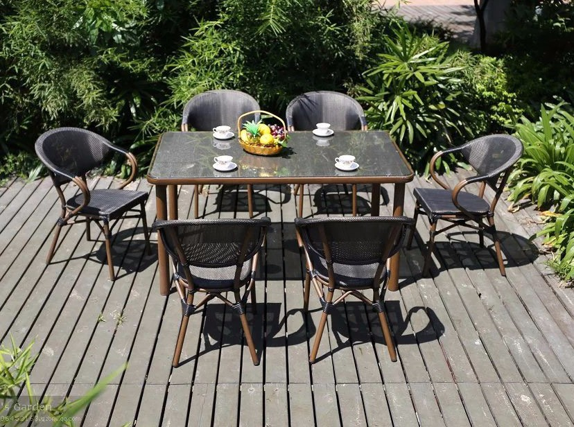 Cheap european outdoor patio dining table and chair for Outdoor furniture europe