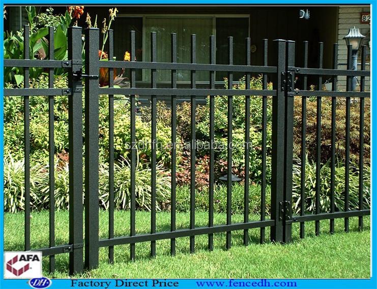 Portes en fer forg porte du jardin porte cl ture de for Porte de jardin