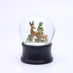 Musical Decorative Christmas Polyresin Reindeer Snow Globe With Blowing Snow