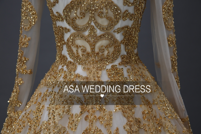 YASA-020 Vintage Custom made Beads White and Gold Applique Bride Ball Gown Muslim Full Skirt Long Sleeve Wedding Dress
