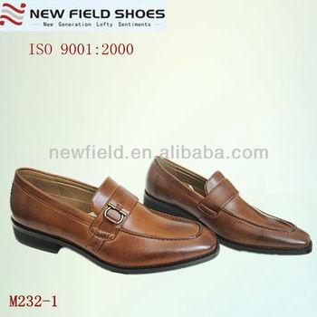 4198ba9d0 Новые модные коричневые мужские остроконечные туфли Италия офисные мужские  туфли businss нет кружева мужские деловые туфли