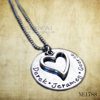 2015 silver plated custom word engrave heart shape fish shape metal hoop necklace