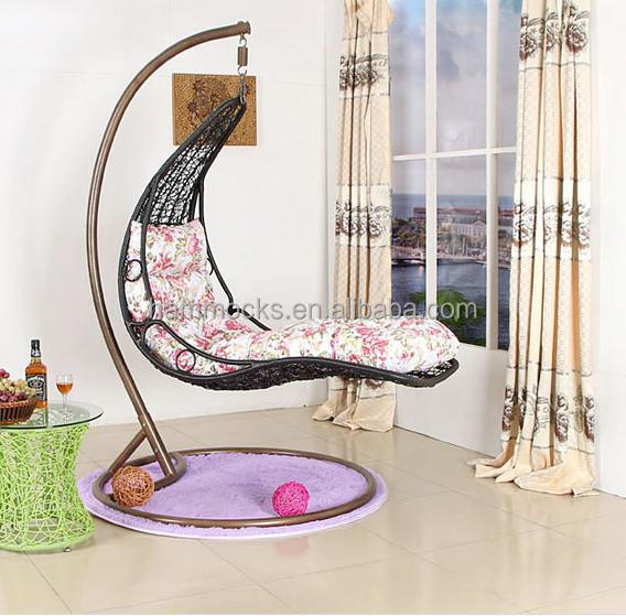 Cheap Price Outdoor Garden Rattan Wicker Hanging Swing