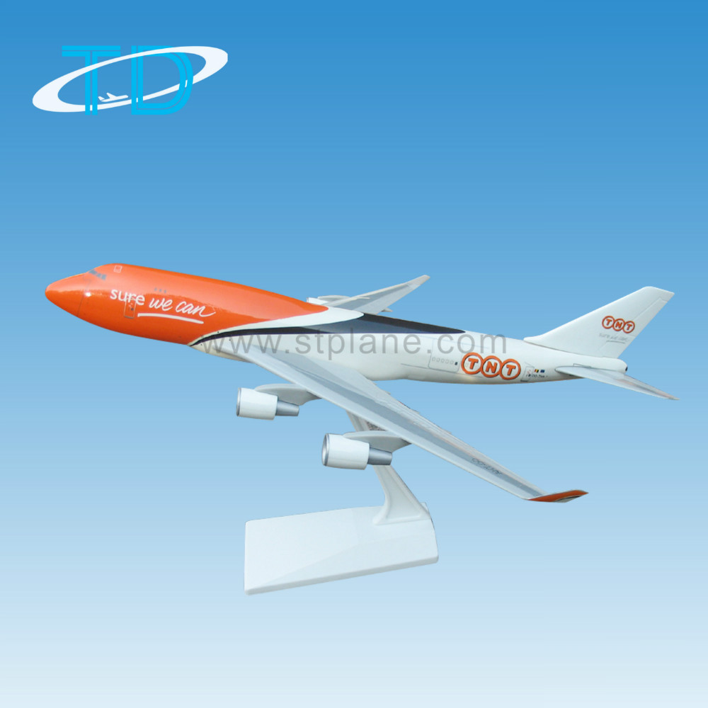 Plastic Model B747-400 Scale 1:200 Tnt Cargo Aircraft For Sale ...