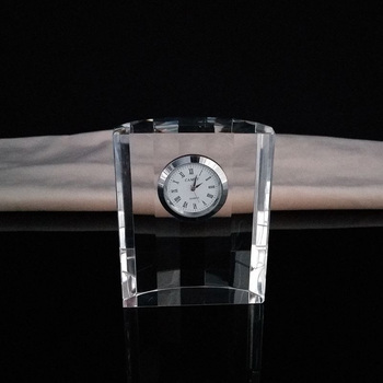 China manufacturer product cheaper price crystal material clock