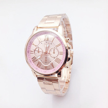 2017 low cost Toughened glass waterproof gold plating image quartz watch