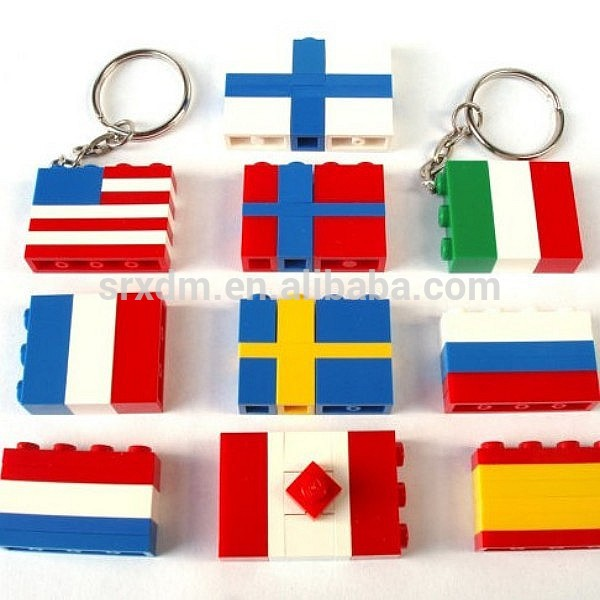 custom national flag assemble puzzle key chains/oem own design kids puzzle toy keychains/custom plastic keychain China factory
