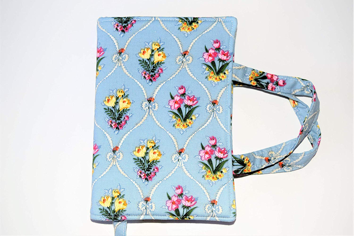 "Flower Bouquet Quilted Paperback Romance Small Book Cover fits up to 7.5"" x 5.25"" x .5 to 1"", Carry Strap Handles,Attached Bookmark,LAST ONE"