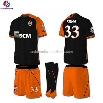 f49b730188dc6 2018 diseño de moda personalizar en blanco camisetas de fútbol y el portero  camisa barato uniforme