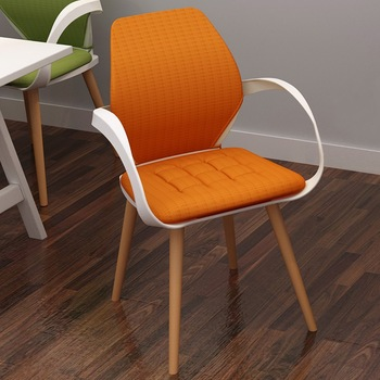 Mordern Cheap Stacking Chairs Used In Leisure Space , Cheap Plastic Chairs with Metal Frame