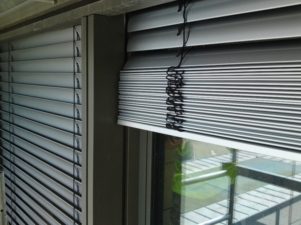 High quality exterior aluminum window louver prices with Motorized window shades cost