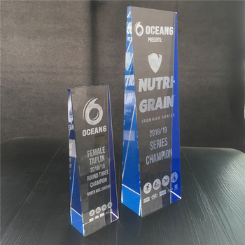 High quantity Crystal trophy Crystal triathlon award with custom logo and words