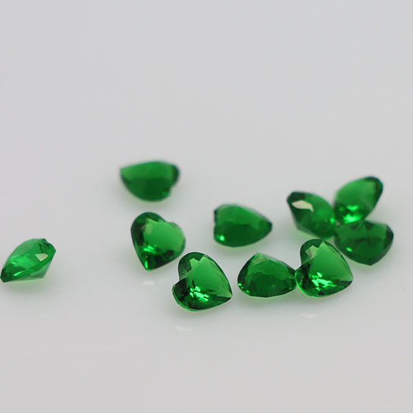 man rich loose color cut ct transparent big green oval emerald made of gem