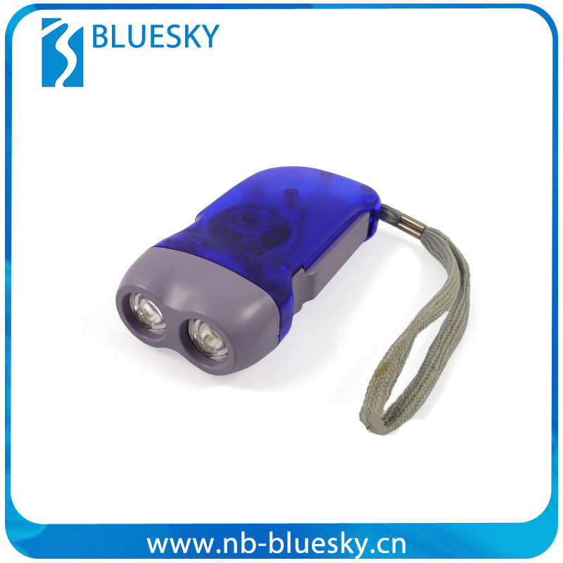 Hand rechargeable led flashlight